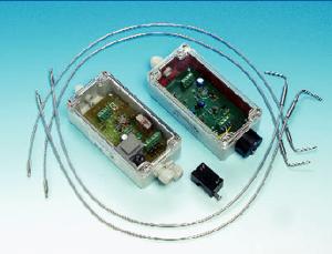 Dwustabilny optyczny czujnik alarmowy  przepływu, seria FA® Wersja FA-1/2/3, bi bariera optyczna typu widłowego