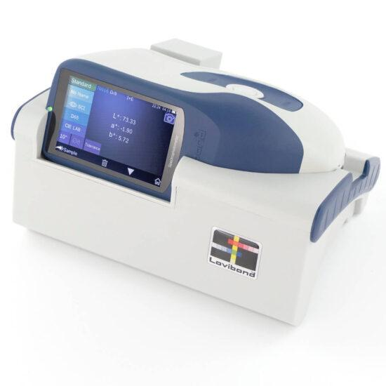 Spektrofotometr do pomiaru w odbiciu TRA 500 oraz spektrofotometr sferyczny TRA 520 firmy Lovibond Tintometer